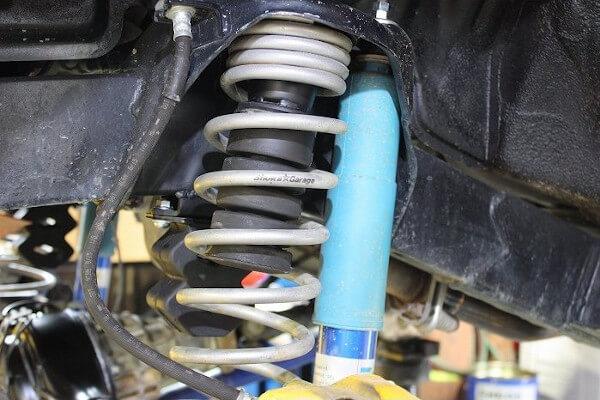 ジムニーに大径タイヤ装着した時のバンプ規制